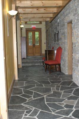 Inside at E'Terra Inn